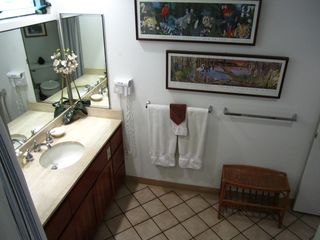 Princeville condo photo - The second bath is large and includes laundry facilities.