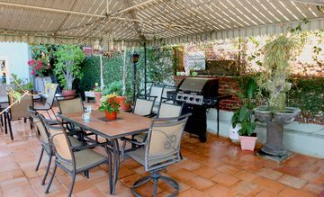 Los Angeles apartment rental - Common Patio with Jacuzzi