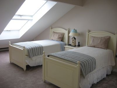 Loft Bedroom with twins and full bath ~ great for the kids or extra guests!