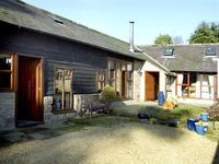 IVY BARN, family friendly, with a garden in Clive, Ref 1728