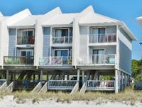 Beachfront Townhouse, Private Balconies, WiFi, Close to Restaurants & Shops