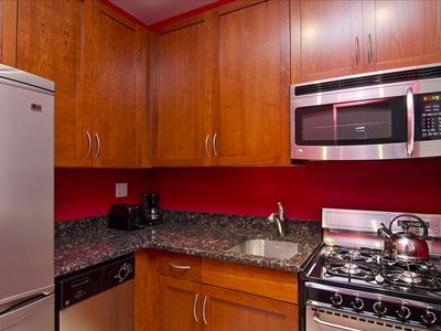 Brand new kitchen! custom made cabinets, stainless steel appliances