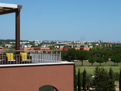 Victoria Gardens Penthouse with Golf/Sea view, English TV channels, WiFi & Bikes