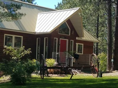 ENJOY YOUR STAY IN BEAUTIFUL NORTH IDAHO AT BEAR CREEK LODGE AND  MORE