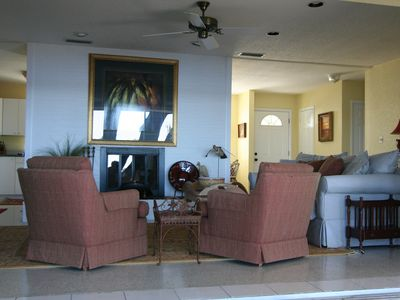 Tarpon Springs house rental - Living Room with Gas FirePlace