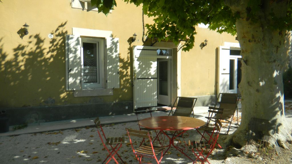 Peaceful house, 170 square meters, close to the beach