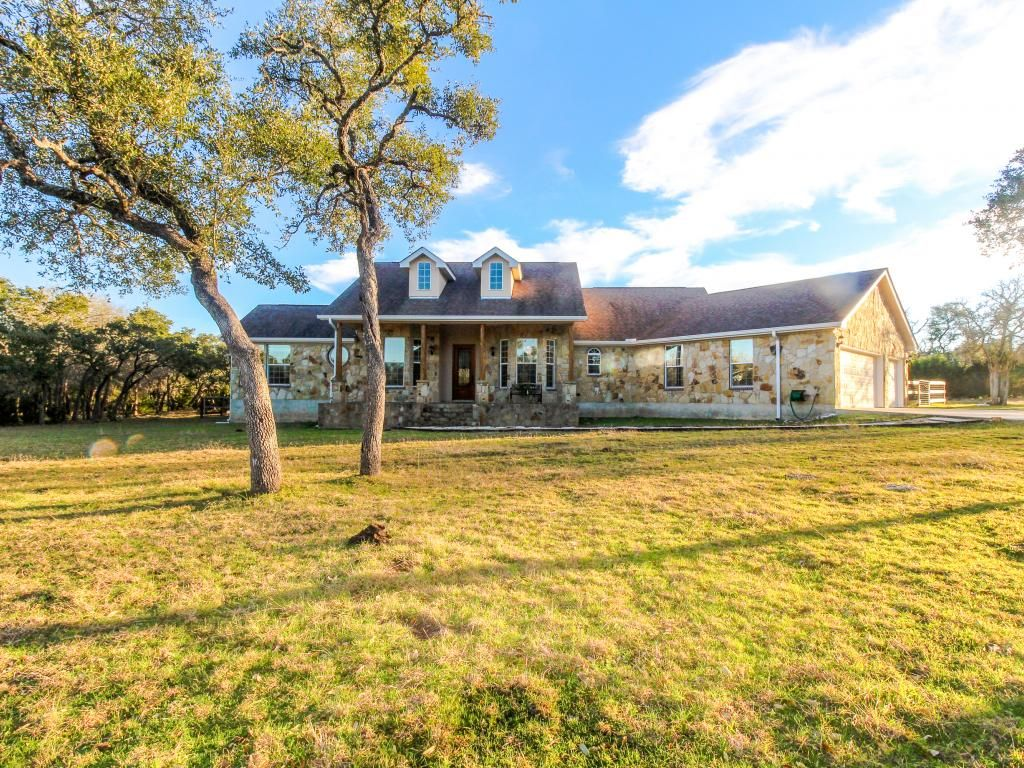 Luxury ranch with a private pool and gourmet vrbo Luxury ranch texas
