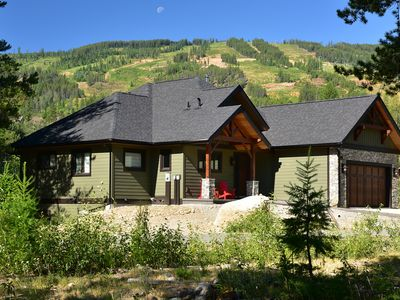 Paradise! Unique Mountain Home/Wheelchair Access. Next to Golf, Trails & Skiing