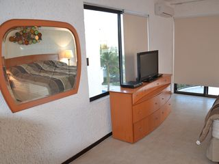 Cancun villa photo - Master suite - King Size with TV Flat 32' & DVD