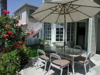 Relax In Beachlovers&039; Paradise -- Upscale Duplex, 1/2 Block To Bay And Ocean