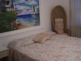 Galveston house photo - middle bedroom