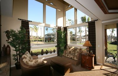 Enjoy your morning cup of fresh Kona coffee in this comfortable sitting area