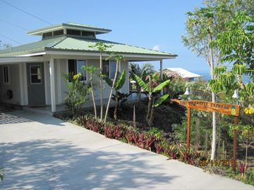 Milolii house rental - Milolii House with landscaped lot, great ocean views, private and peaceful.