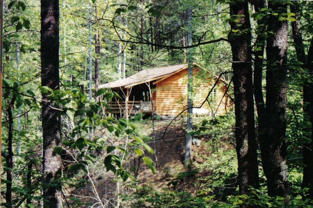 Secluded log cabin retreat vrbo for Log cabin retreat