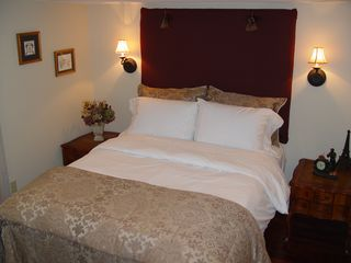 Niagara-on-the-Lake cottage photo - Bed Room