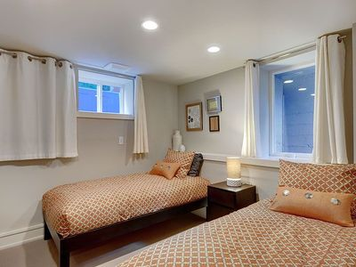 Seattle house rental - Two Twin Beds on Lower Level Bedroom