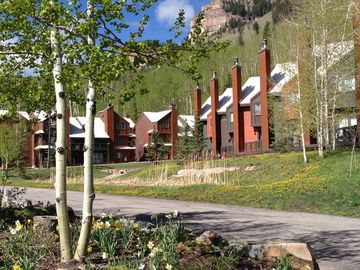Durango condo rental - Perfect location, right on the mountain. 360 degree views of the San Juans.