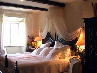 Fatima lodge rental - Duchess of Braganza Suite bed