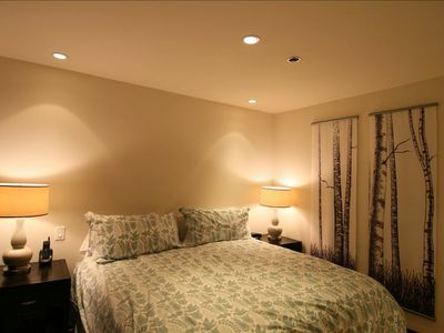 Guest Master Bedroom 2- King Size Bed, can be divided into 2 twins