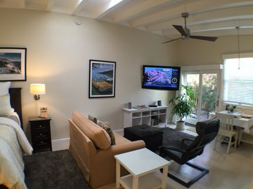 Monterey studio rental - Comfortable living area, perfect for two