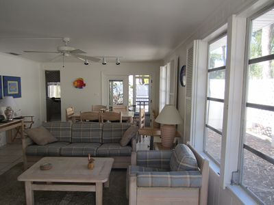 Siesta Key cottage rental - Pull out sleeper in the couch provides extra sleeping options.