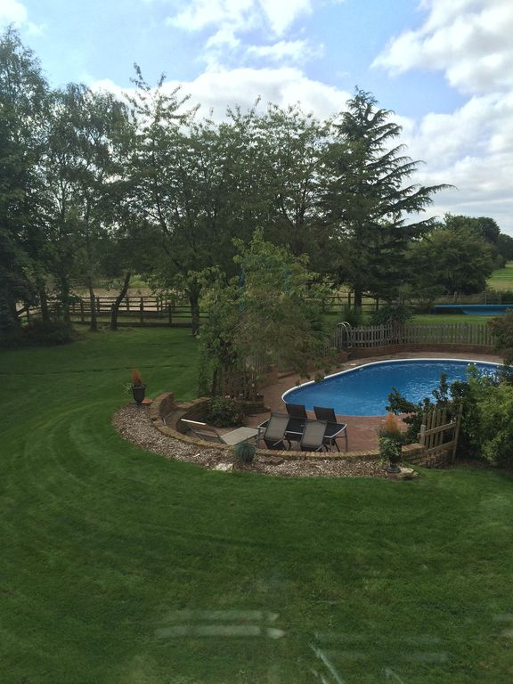 Fabulous Private Accommodation with stunning countryside views near Legoland!