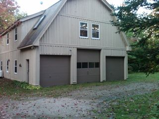 Bromley Mountain house photo - Garage