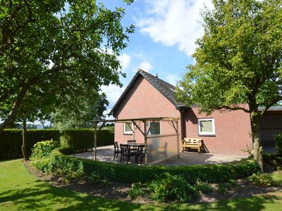 Very attractively furnished detached house on an alpaca farm