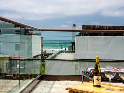 Mission Beach bungalow rental - Relax with a bottle of wine and a beautiful ocean view on the roof top deck