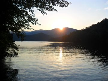 Lake Santeetlah cottage rental - Another spectacular sunset...