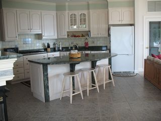 Main Kitchen w/ double ovens - Lake Anna house vacation rental photo