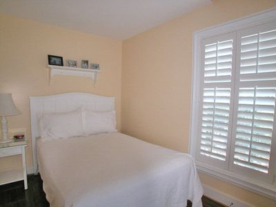 Fur, Fins and Feathers - Bedroom 2 - Cottage Rental Agency