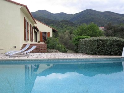 large villa with pool and beautiful view on the Canigou mountain.
