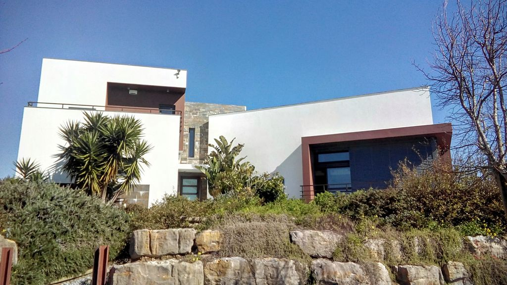 House, 350 square meters