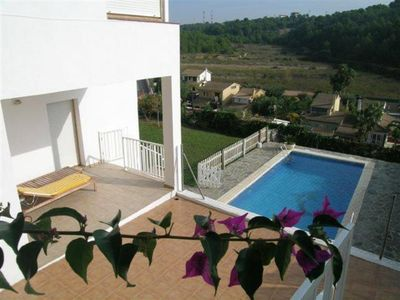 Near Barcelona with sea view, privat POOL, WIFI