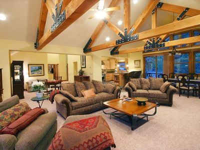 Squaw Valley - Olympic Valley house rental - Upstairs Great Room w/Fireplace & Flatscreen TV
