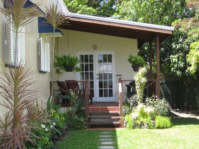 Charming Cottage in Fabulous Rockley Location - under 5 mins walk to Accra Beach