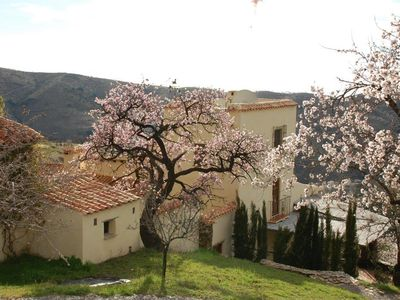 Elegant cortijo with large swimming pool and tennis court