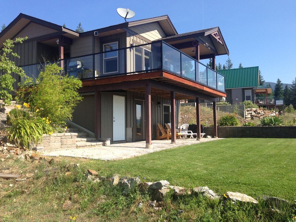 Vacation home over looking shuswap lake vrbo for B house