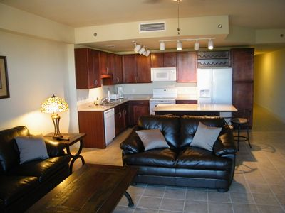 Lake Town Wharf condo rental - Kitchen & Living Room