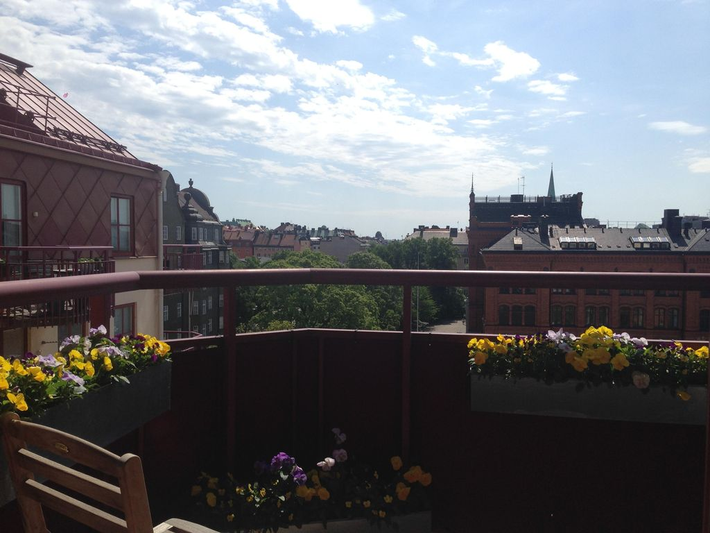 Family friendly fresh 4th in central stockholm close to for Holiday apartments in stockholm