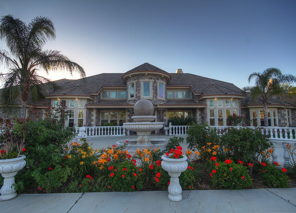 Elite vacation estate a resort like homeaway temecula for Vacation mansions