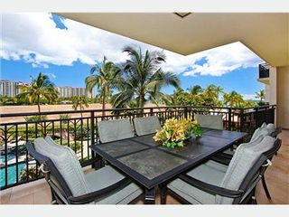 Kapolei villa photo - Lanai with Large Dining Table & Great Views