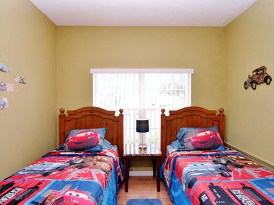 Highgate Park villa rental - boys twin bedroom