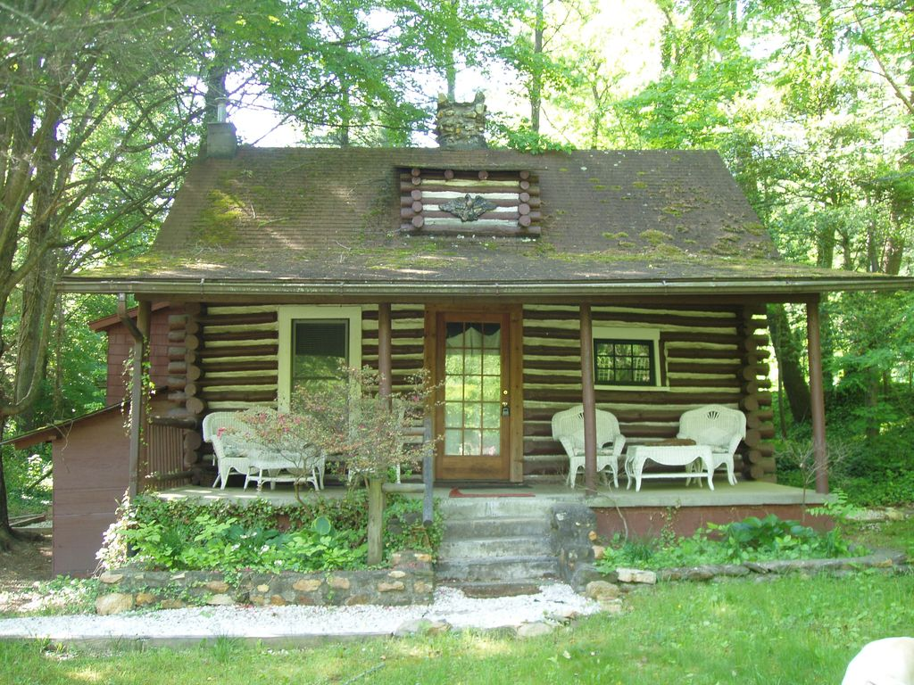 Asheville vacation rental vrbo 445256 2 br smoky for Smoky mountain nc cabin rentals
