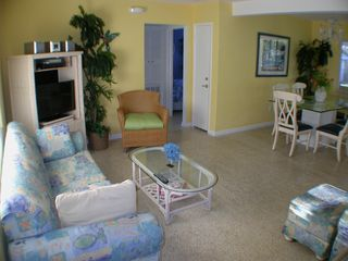 Clearwater Beach house photo - Living Room with 2 queen sleeper sofas