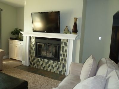 "Fabulous fireplace,42"" Flat screen TV & DVD, Plus free wireless internet & cable"