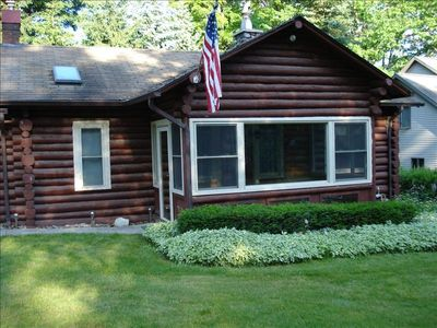 Beautiful 2 bedroom log home on south end of Hubbard Lake