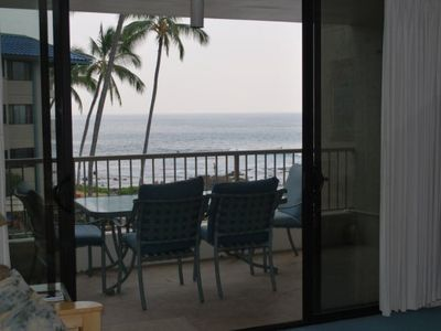 Kailua Kona condo rental - View out to the Lanai