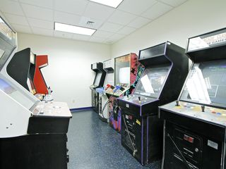 Honolulu condo photo - Game Room